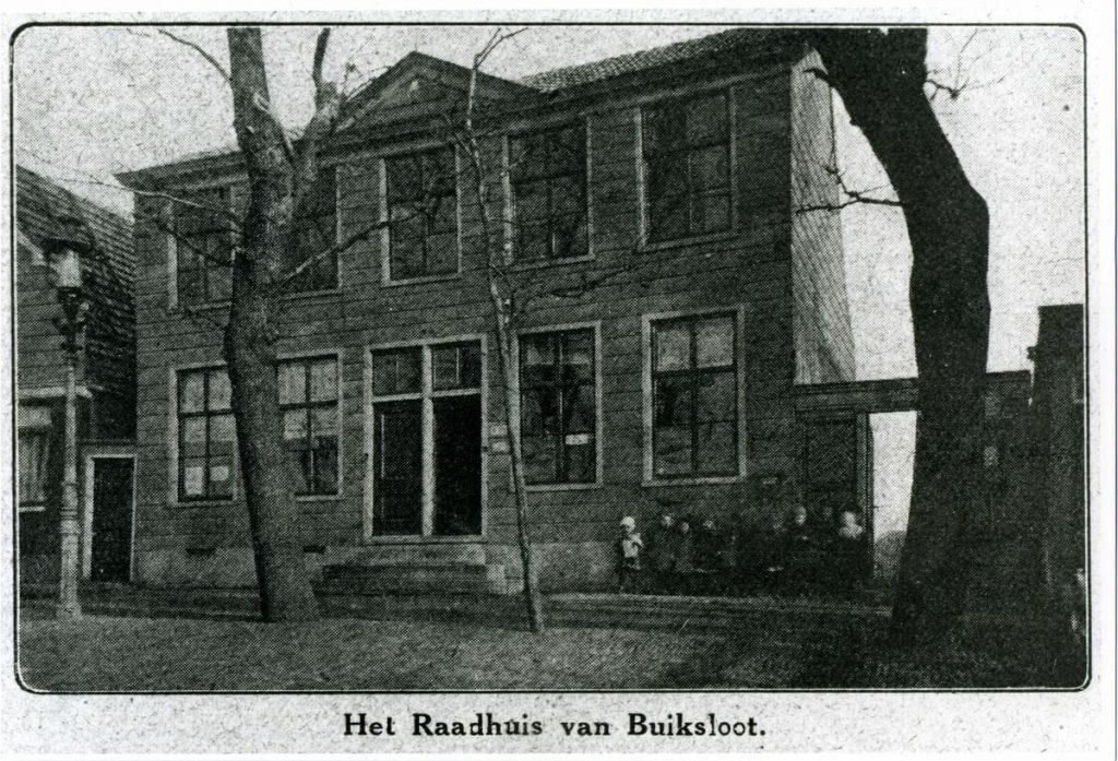 1025 08 Buiklsoterdijk 228 Buiksloot Raadhuis gemeentehuis